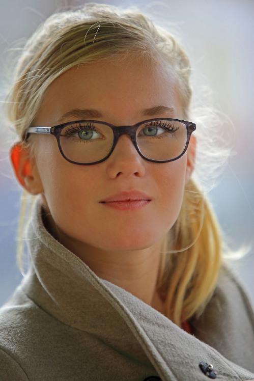 0c274af1108daf Hoe maak ik een portret van iemand met bril