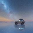 Reflectie van de Melkweg op een zoutvlakte