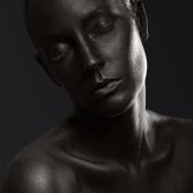 Meekijken op een bodypaint portretshoot © Mathijs van den Bosch