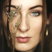 Expertuitdaging: Jezelf recht in de ogen kijken © zelfportret, bloemen, ogen