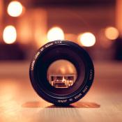 Een lens kopen voor beginners - Waar moet je op letten? © lens, doorkijk, oranje