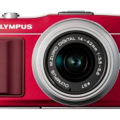 Review: Olympus Pen E-PM2 © Olympus Pen E-M5 voorkant