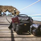 Met de Case Logic Bryker Shoulder Bag op safari in Tanzania © Louni.zoom.nl