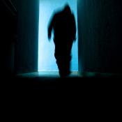 Veilig apparatuur kopen en verkopen via Marktplaats - zo voorkom je oplichterij © dief, silhouet, oplichting